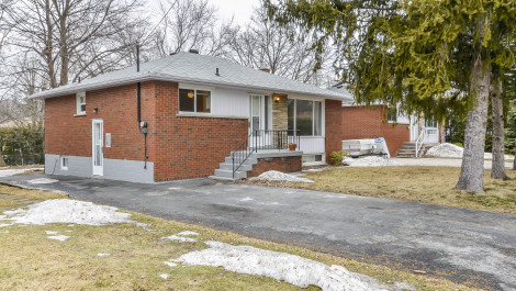 1376 Fisher Avenue, Burlington Home for Sale