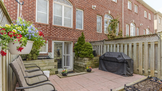 15 San Remo Terr, Etobicoke Home For Sale