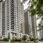 35 Hollywood Ave Unit 509, Toronto Condo