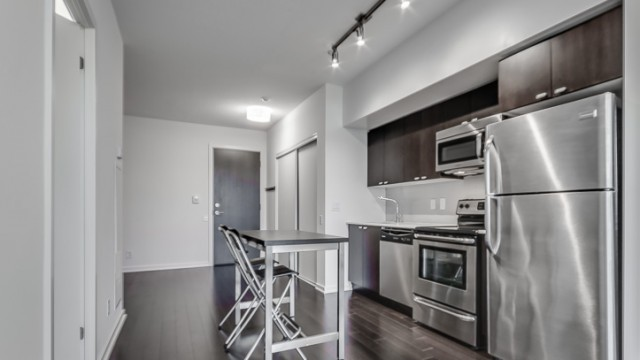 105 The Queensway Ave Unit  604, Toronto Condo Sale