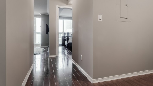 9 Michael Power Pl Unit 311, Etobicoke Condo For Sale