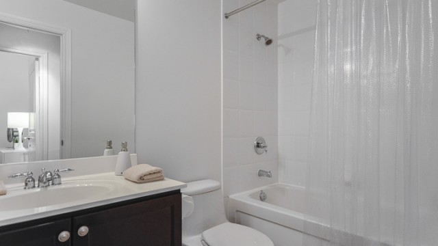 25 Earlington Ave Unit 224, Etobicoke Condo For Sale