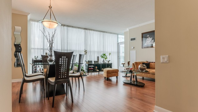 2067 Lakeshore Blvd W 1001, Etobicoke Condo for Sale