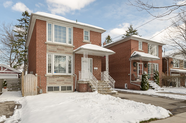 7 Bowspirit Avenue: A beautiful Humber Heights property.