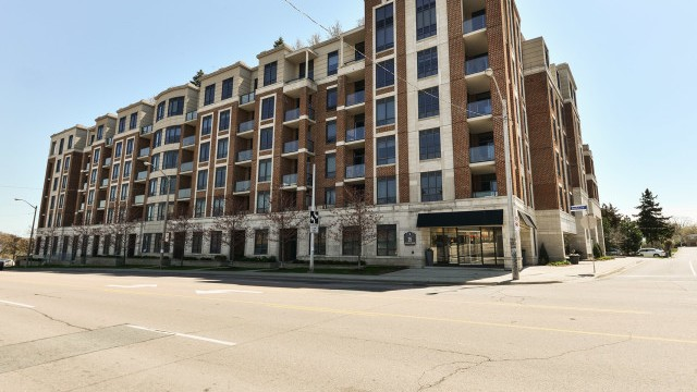 25 Earlington Ave Unit 513, Etobicoke Condo for Sale