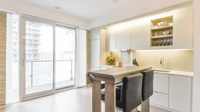 101 Peter St Unit 1802, Toronto Condo for Sale