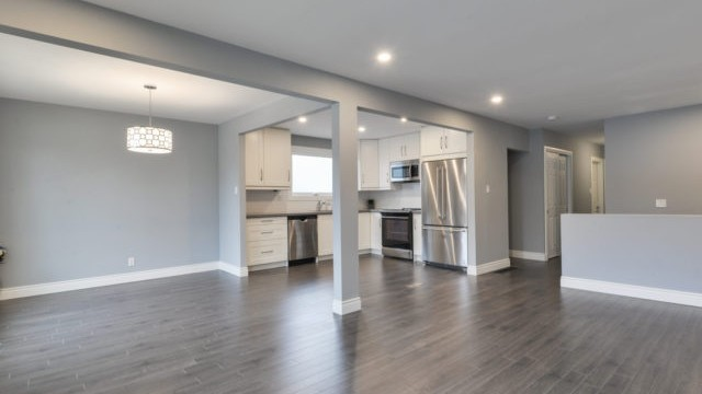 3 Sunrise Cres, Dundas Home for Sale