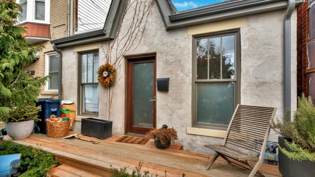 321 Manning Ave, Toronto Home for Sale