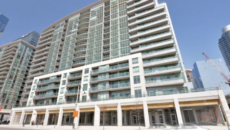 25 Lower Simcoe St PH18, Toronto Condo