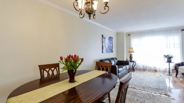 1927 Silverberry Cres, Mississauga Home