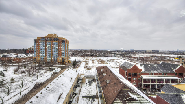 4 Elsinore Path Unit 812, Toronto Condo