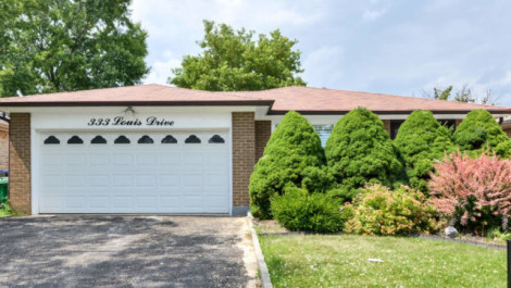 333 Louis Drive, Mississauga Home