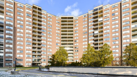 551 The West Mall Unit 820, Toronto Condo