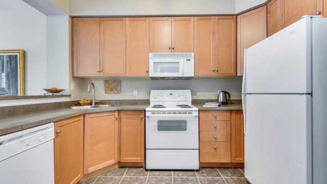 3531 Lake Shore Blvd West Unit 107, Toronto