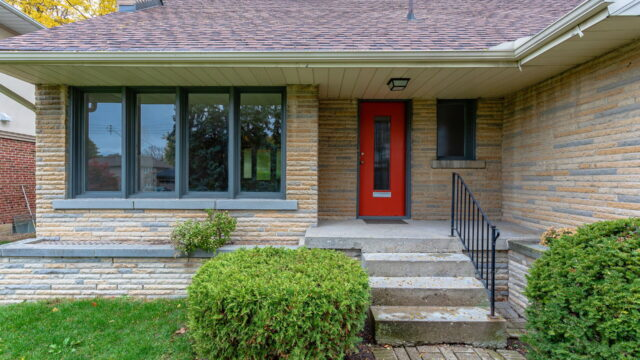 132 Wimbleton Road, Toronto Home For Lease