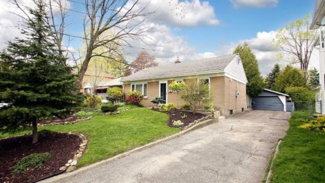 341 Maple Grove Ave, Mississauga Home
